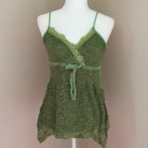Bisou Bisou Green camisole with lace and ribbon
